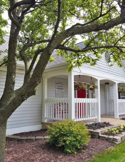 fairfax-apartments-for-rent-in-west-lansing-delta-township-mi-gallery-2